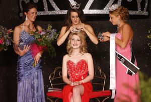 Lynch And Liz Chat With Sangamon County Fair Queen Anna Workman